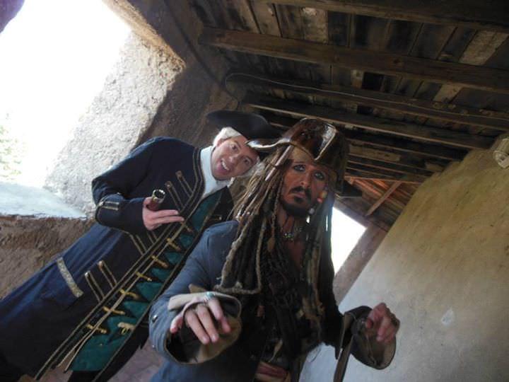 pirati caraibi jack sparrow sea mare compass seven seas backstage cutler beckett